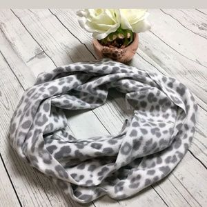 Old Navy grey white leopard  print infinity scarf